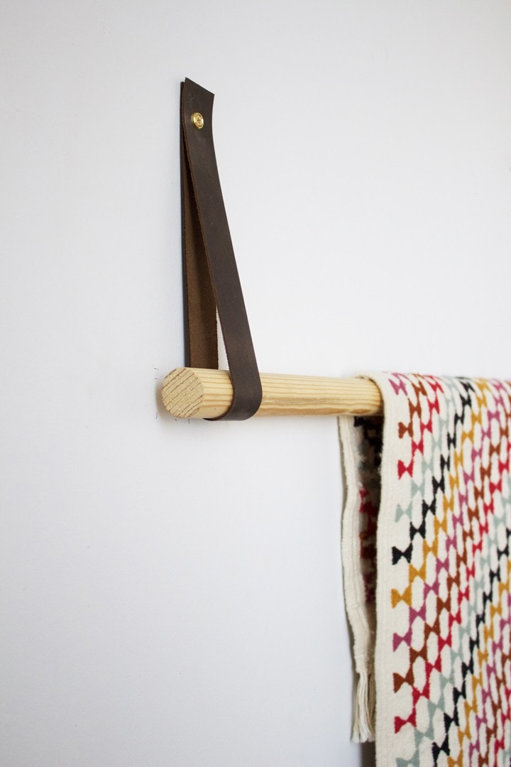 textile display hanger