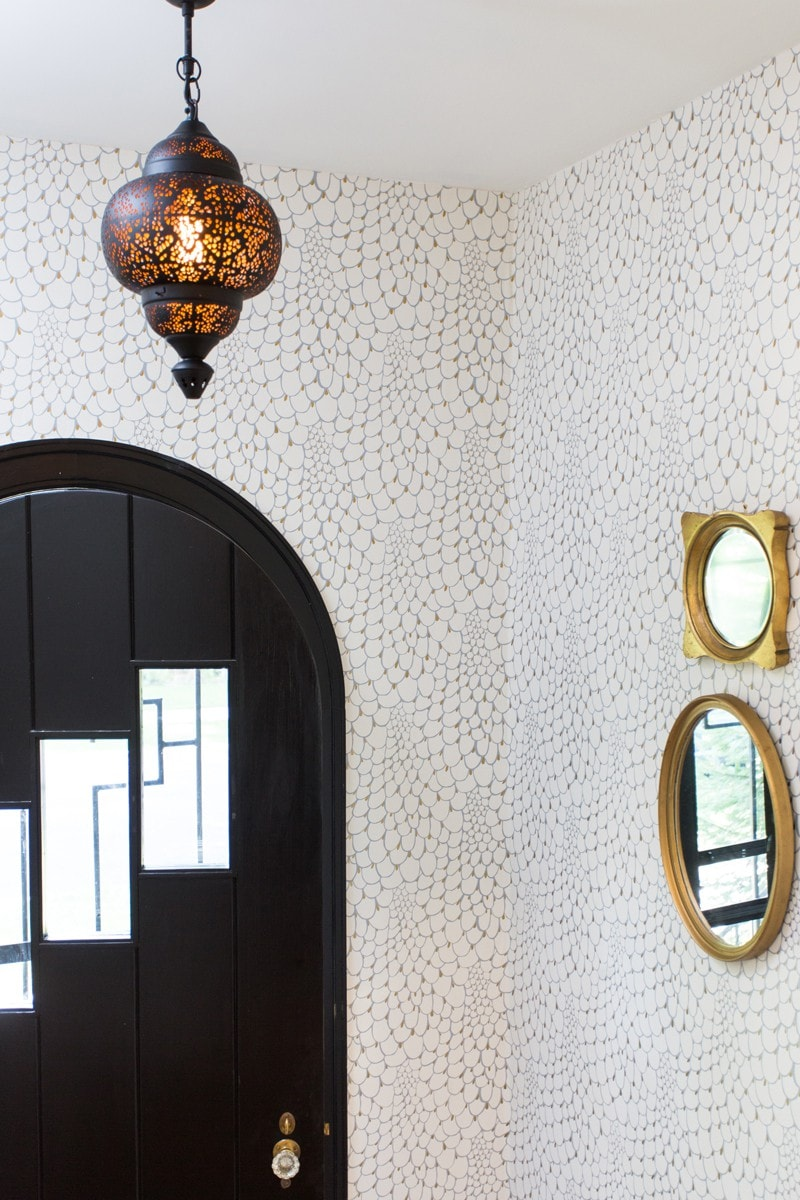 entry-moroccan-lantern-black-door