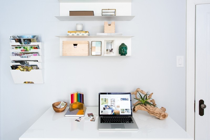 desk-top-home-office-decor