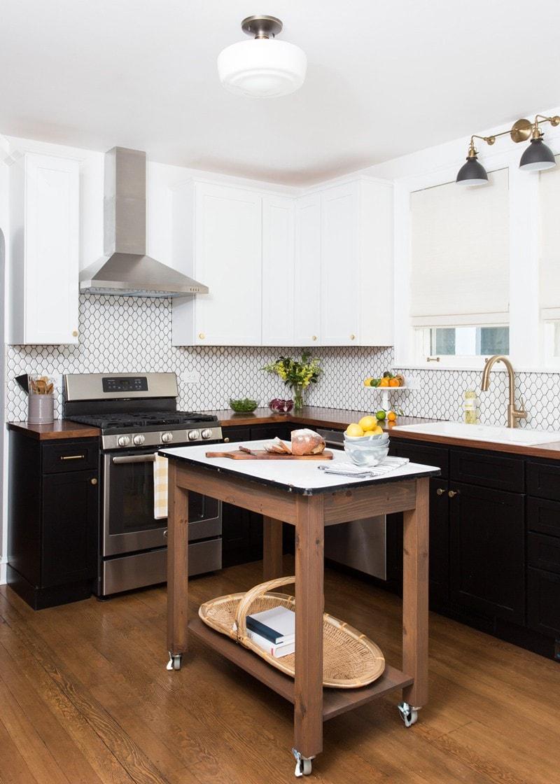 Stylish Black and White Kitchen Remodel