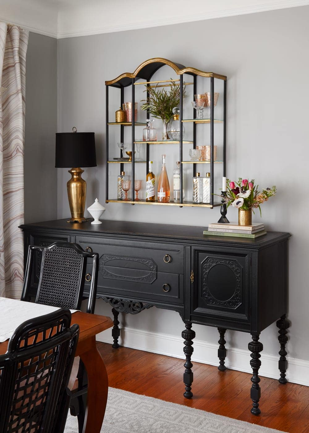 The Best Dark Paint Colors To Use For Your Home Interior