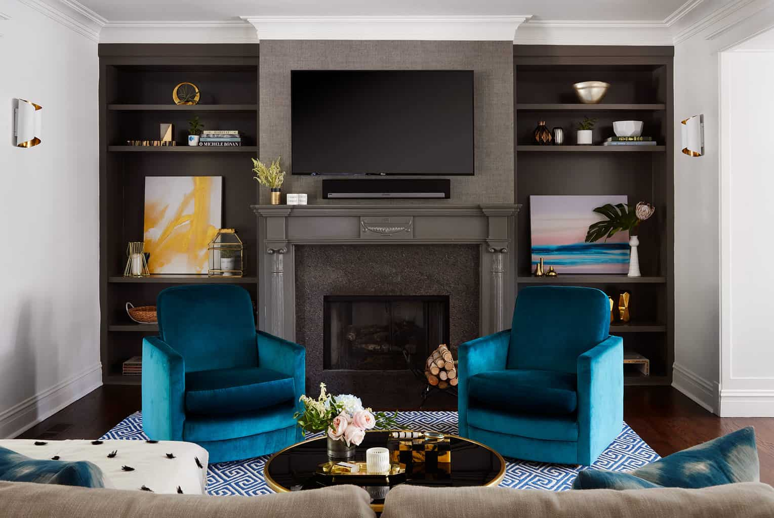 decorating-with-teal-velvet-chairs