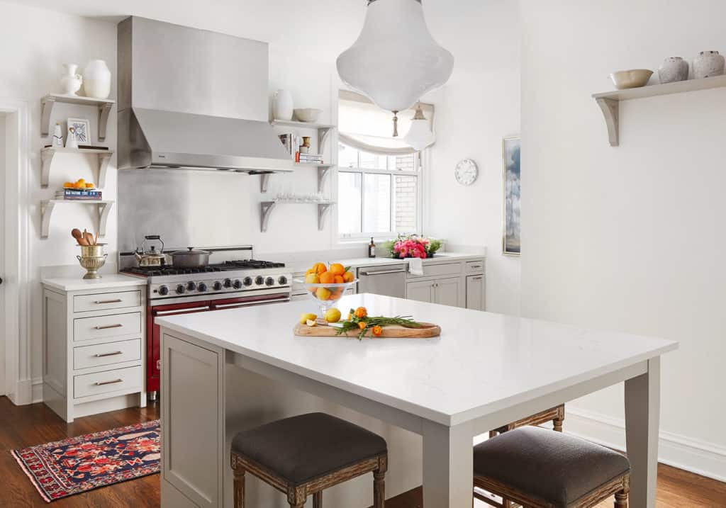 lakeshore-drive-apartment-taupe-kitchen-centered-by-design-759_15