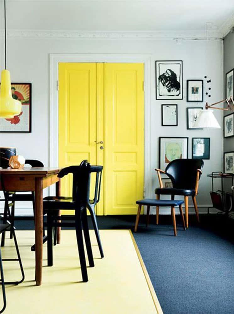 decorating-with-yellow-yellow-door