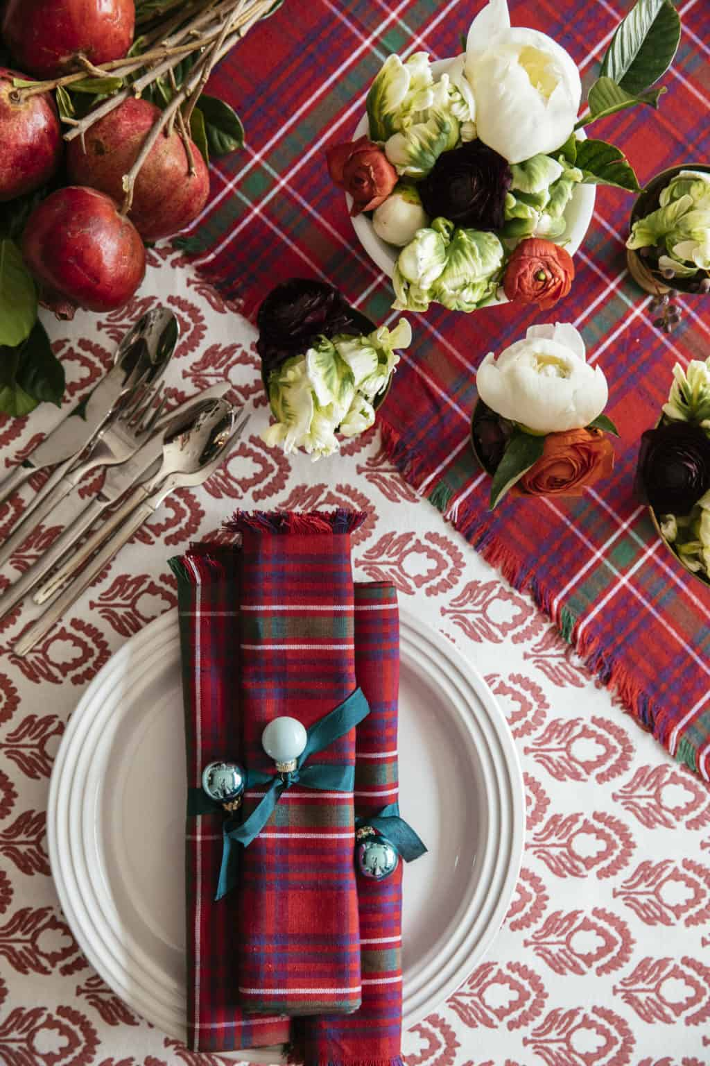chic holiday table cloth fabric